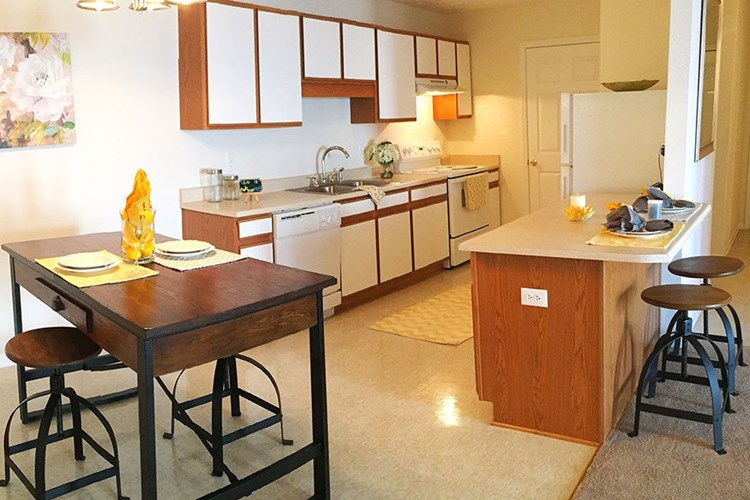 Apartments at Hidden Lake - Fayetteville