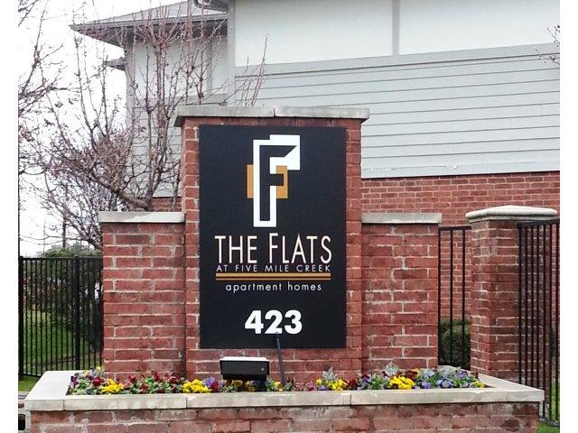 Flats At Five Mile Creek Apartments. 423 East Ledbetter Dallas, TX 75216
