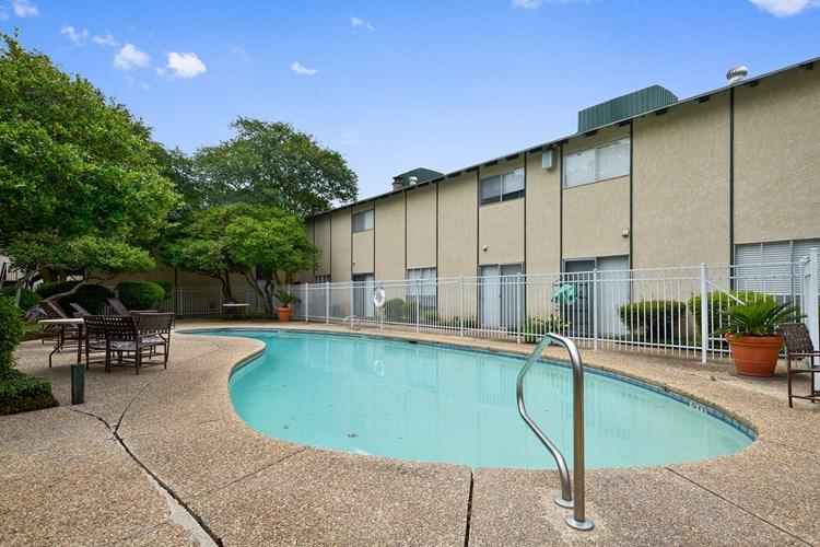 Apartments at Shadow Creek Apartments - Baton Rouge
