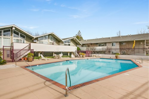 Catalina Crest Apartment Homes Image 7