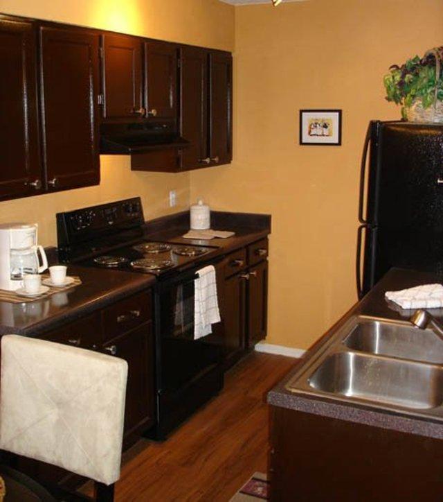 El Paso Apartment Finder: (see Pics & AVAIL