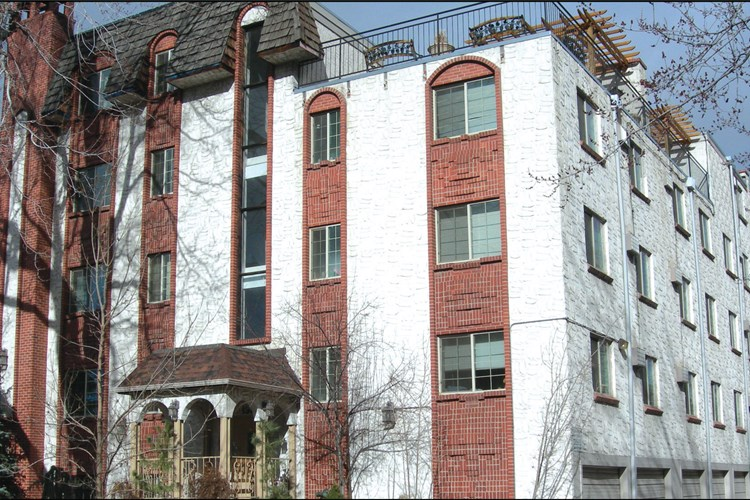 1360 Williams Street Apartments Image 1