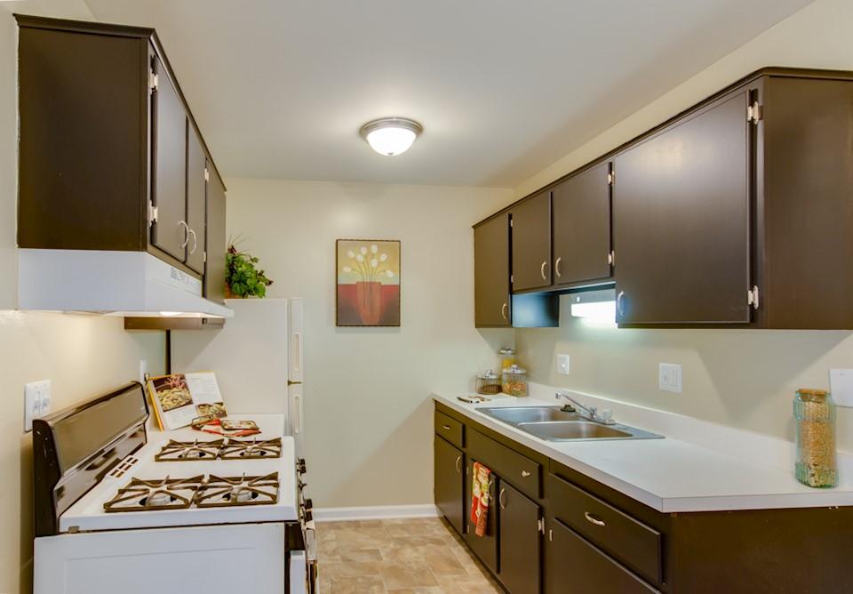 DAVIS CREEK Apartments & Flats