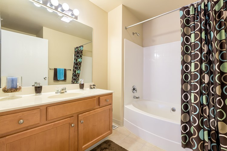 Apartments at The Village at Pine Ridge - Willoughby Hills