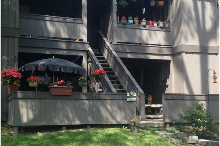 Sunny Hills Apartments In North Kansas City