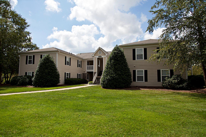 Fieldstone Apartments. 510 Quaker Creek Drive Mebane, NC 27302