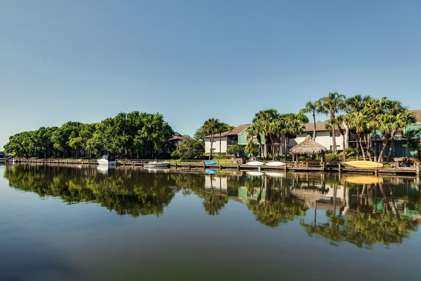 Island Walk Apartment Homes for rent