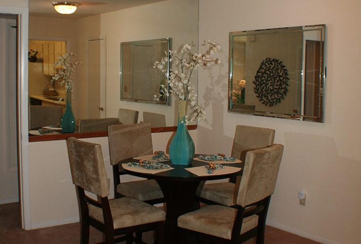 Terrific Apartments At Kenwood Creek Smyrna Apartmentsearch Com Download Free Architecture Designs Scobabritishbridgeorg