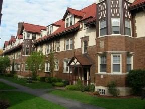 Apartments at Bull Manor Apartments - Racine