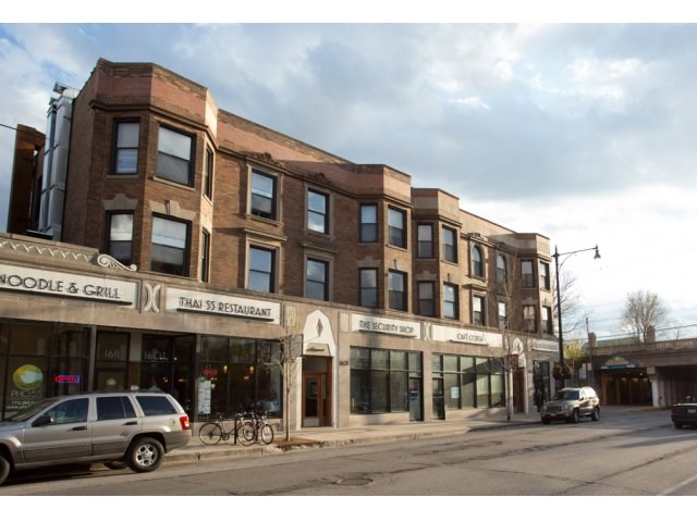 Apartments at 5500 S Cornell Avenue - Chicago