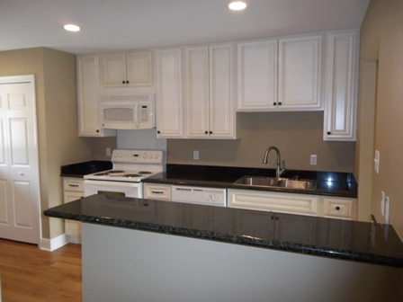 . Gatehouse Apartments  Metairie    see pics   AVAIL