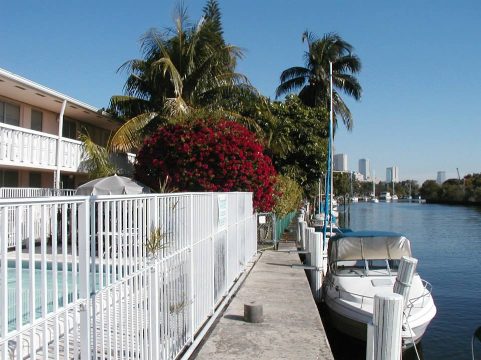 Bermuda House Apartments