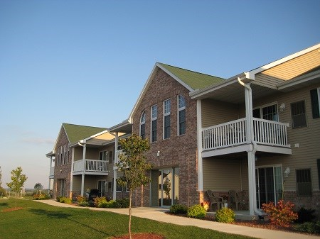 Waters Edge Apartments Image 1