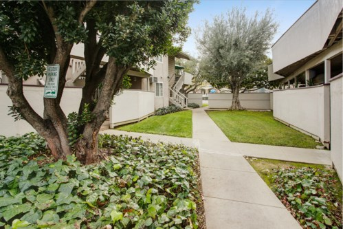 Catalina Crest Apartment Homes Image 1