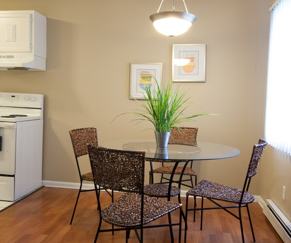 Melrose Apartments: Apartments At Melrose Gates