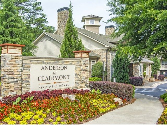 Anderson at Clairmont Image 18