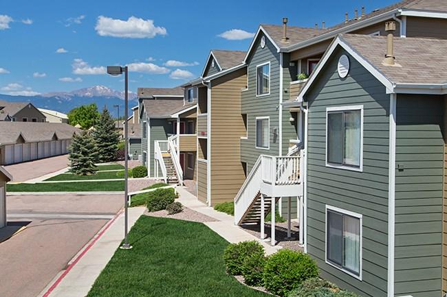 Apartments at Constitution Square - Colorado Springs