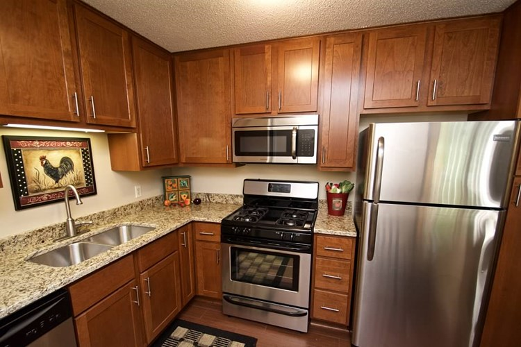 Walnut Trails Townhome Apartments Image 13