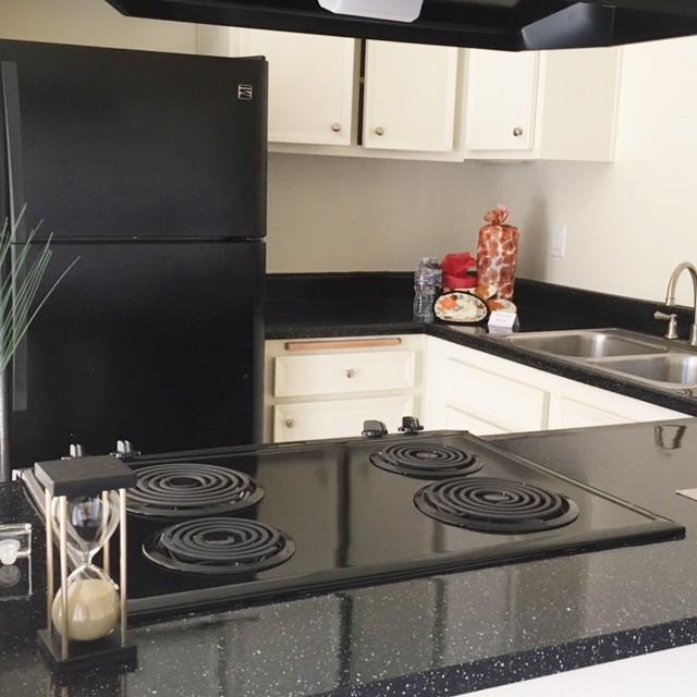 Elan Seacrest Encinitas Apartment Homes, Encinitas