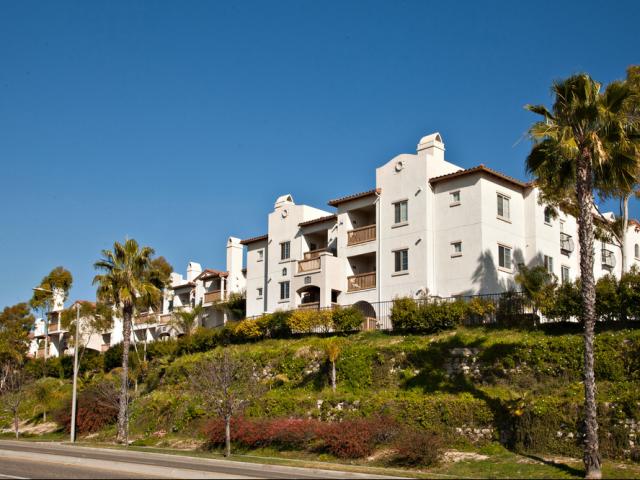 Elan Sevilla Apartments
