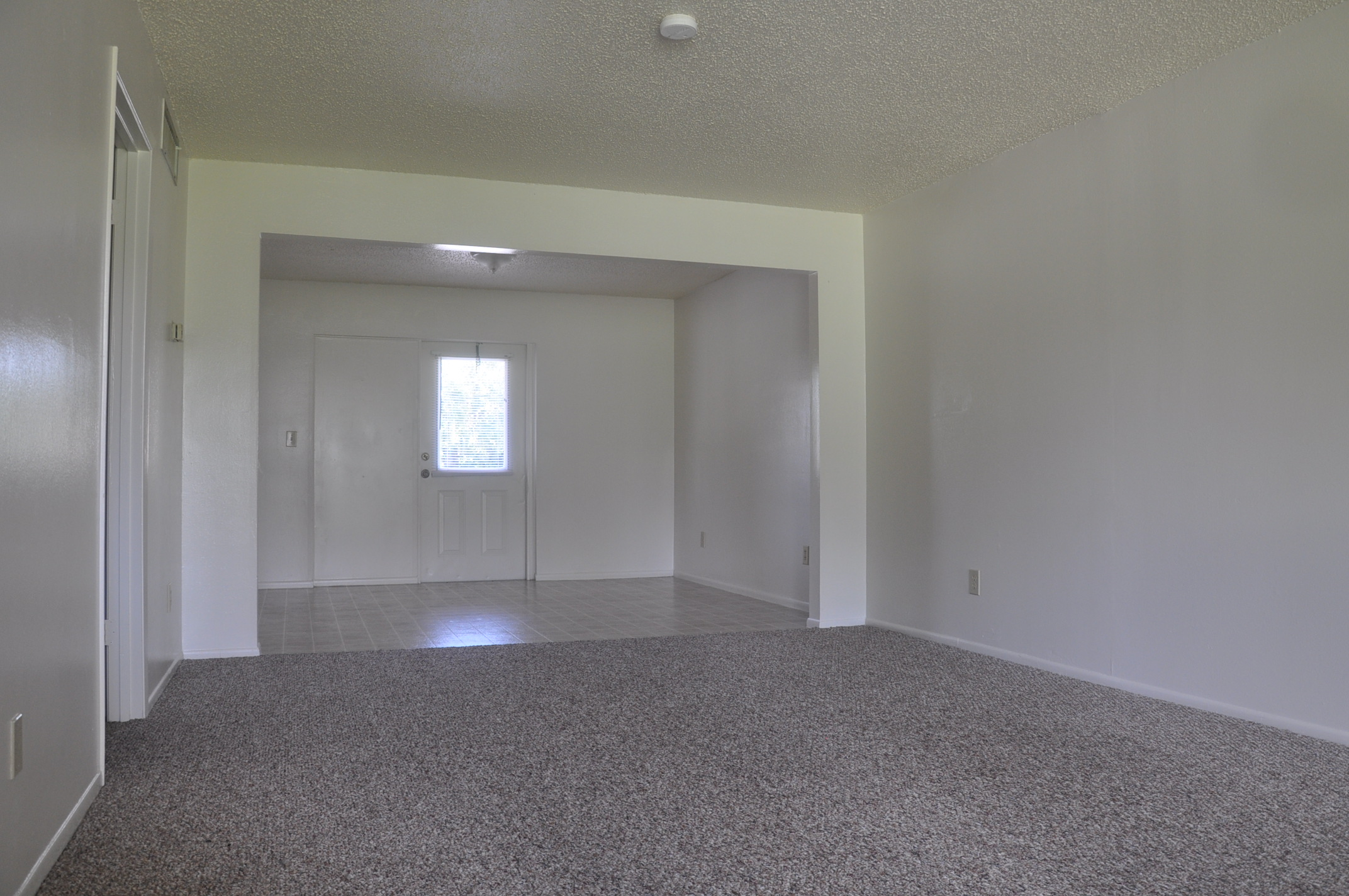 Colonial Square Apartments for rent