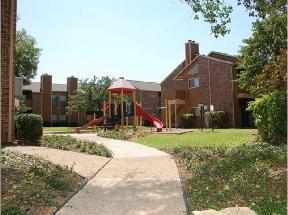Oaks at Park Boulevard photo