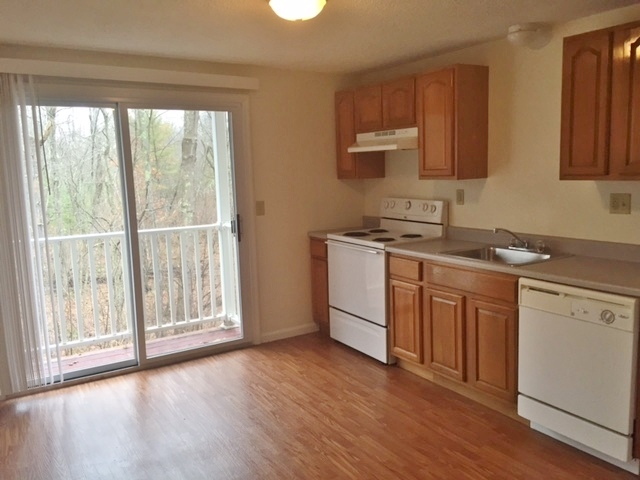 Homestead Apartments, Merrimack - (see pics & AVAIL)