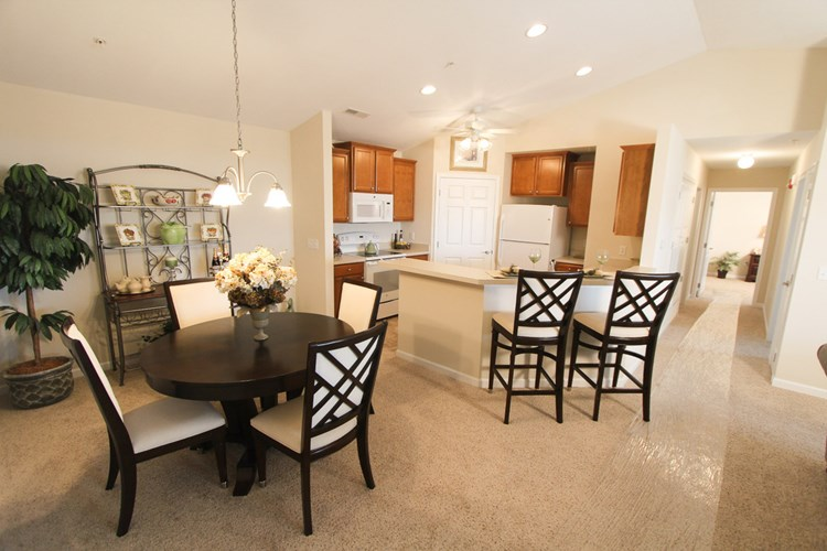 Fox Chase Luxury Apartments Image 10