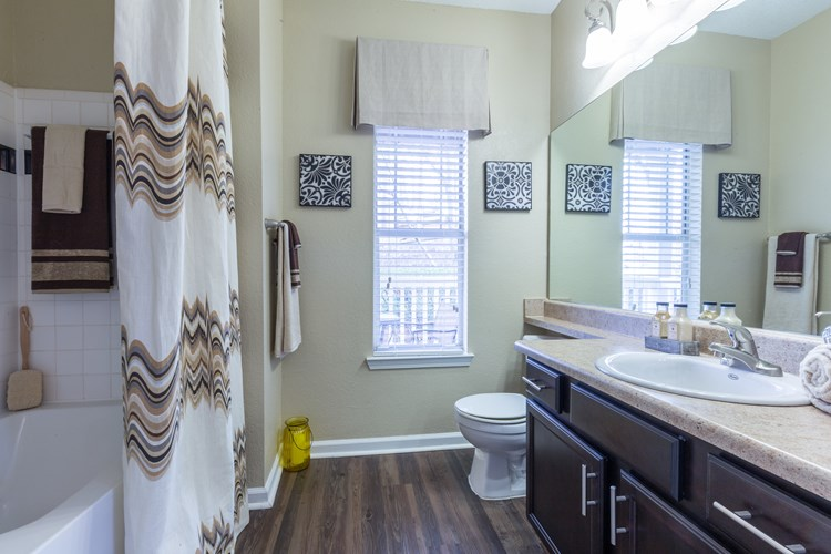 Hannover Grand at Sandy Springs Apartment Homes Image 16