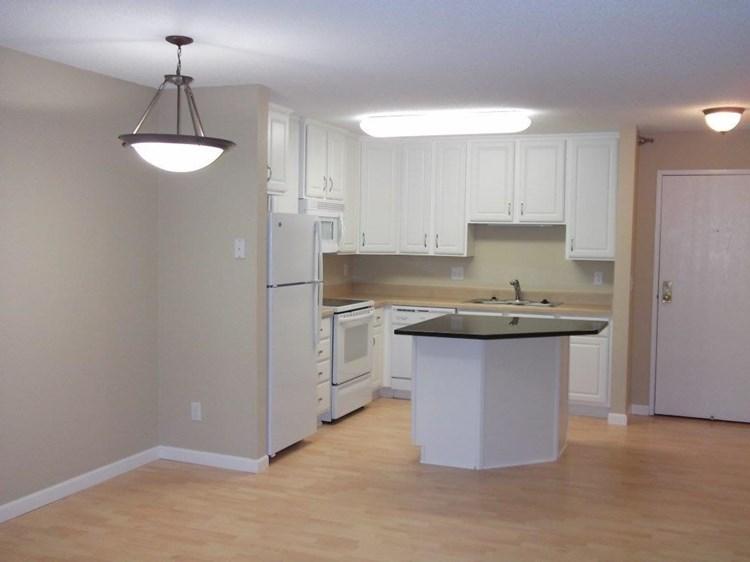 Apartments At Sterling Ponds Eden Prairie