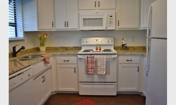 Barrington Park Townhomes Image 12