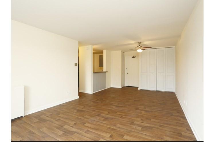 https://www.apartmentsearch.com/databaseimages/aed38de4-fb38-46d6-b093-ec855a1745ab.jpg?w=750&h=498&404=~/images/caro-coming-soon.jpg