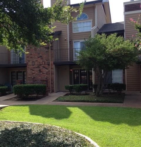 Apartment Searches: Apartments At Fairway Greens - Dallas