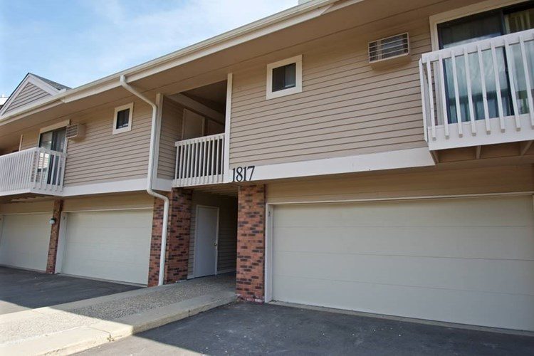 Walnut Trails Townhome Apartments Image 1