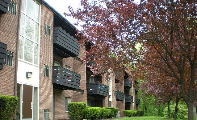 Cliffside Manor Apartments Image 1