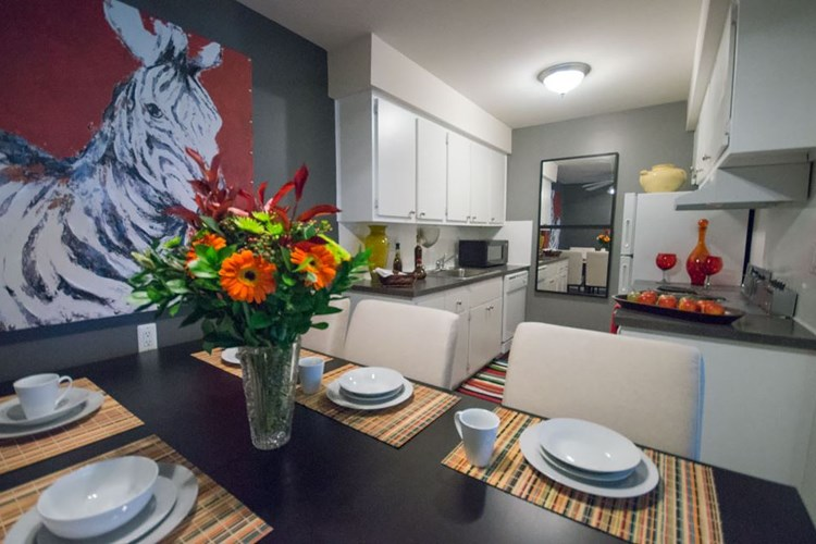 Apartments at Pine Valley Apartments - Ann Arbor