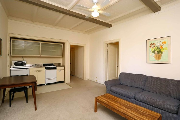 1 br living area