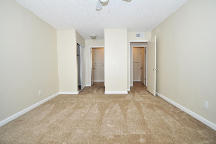 Oak Hill Apartments Image 2