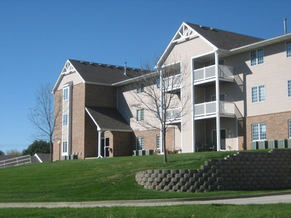 Apartments at Linden West - Indianola | ApartmentSearch.com