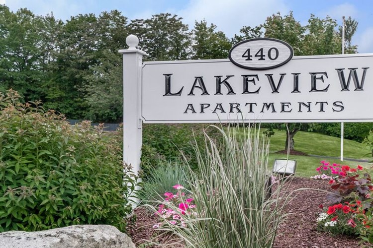 Lakeview Apartments Image 6
