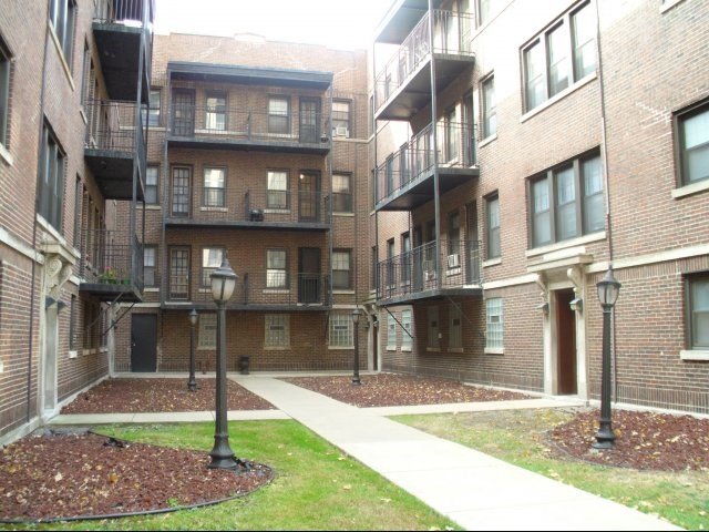 Apartments at 5202-5210 S Cornell Avenue - Chicago