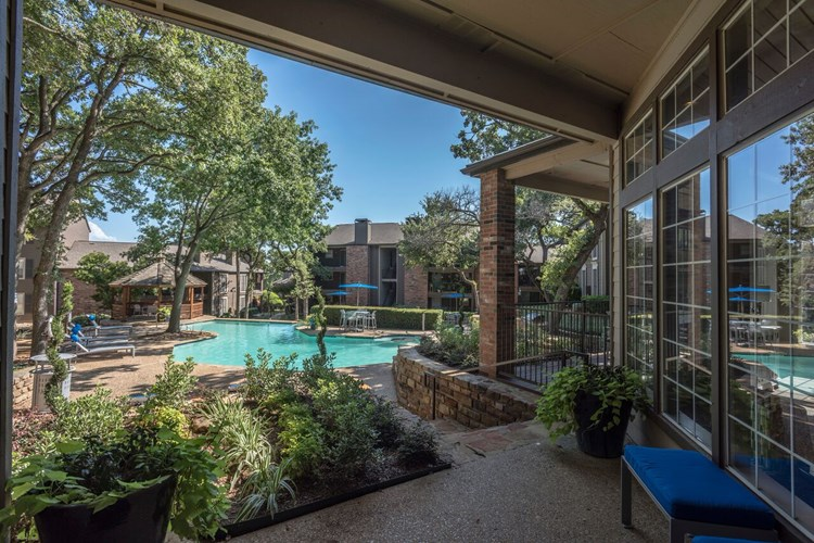 Post Oak Place Image 9