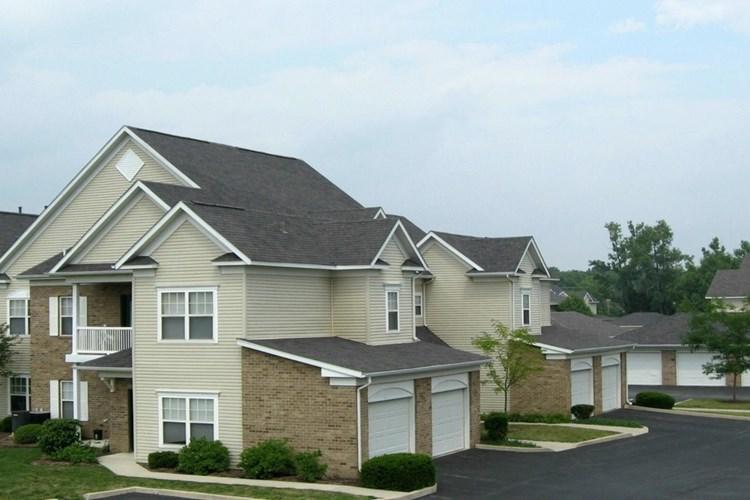 Apartments at Avalon at Northbrook - Fort Wayne