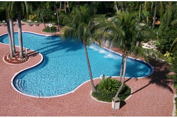 United Property Management Fountainebleau Milton